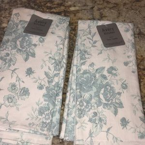 Set of 2 Avery Kitchen Terry Towels- new